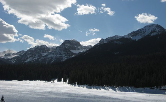 Colder weather brings snow to the mountains and ice to for Bozeman fishing report
