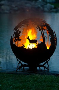 gorgeous forest fire firepit with deer silhouette (creativegreed.com)