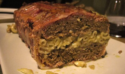 05-wd0709-Mac-n-Cheese-Stuffed-Bacon-Wrapped-Meatloaf-2