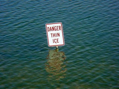 funny-sign-thin-ice