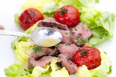 Steak-and-Grilled-Tomato-Salad-with-Rum-Vinaigrette-Steps_1-640x425