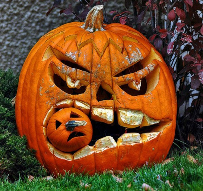 Top 12 Creative Pumpkin Carving Decorating Ideas For 2014