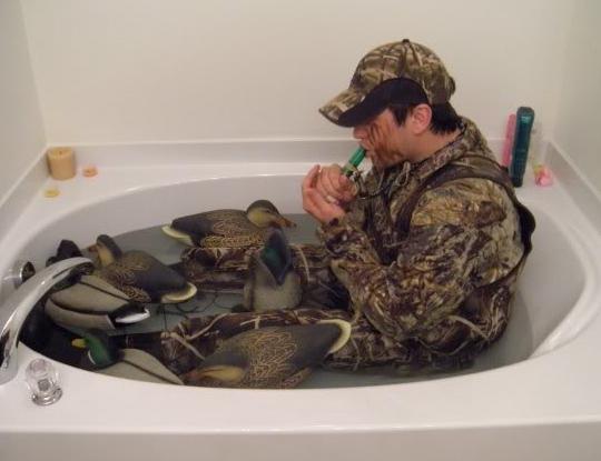 duck-hunting-bathtub