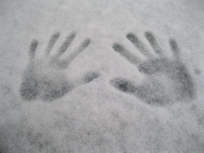 hand_prints_in_the_snow_by_tmnt224-d5onxsz